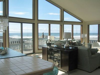 Views! Sunset! Cascade Head! Warm! Bright! Great Design!