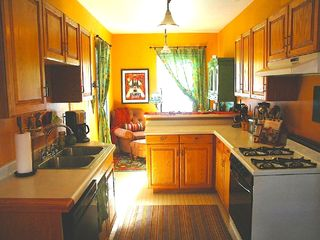 Old Town cottage photo - Full kitchen has a sunroom office & breakfast bar!