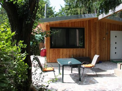 in the green, modern equipped bungalow with fireplace from 57 euros per day