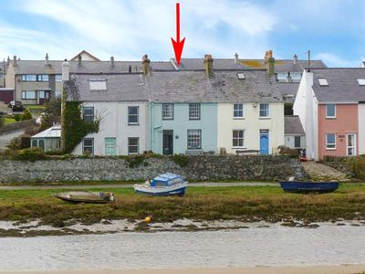 MIN-Y-DON, pet friendly, with a garden in Aberffraw, Ref 19286