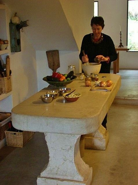 CORTIJO - kitchen, ancient stone table