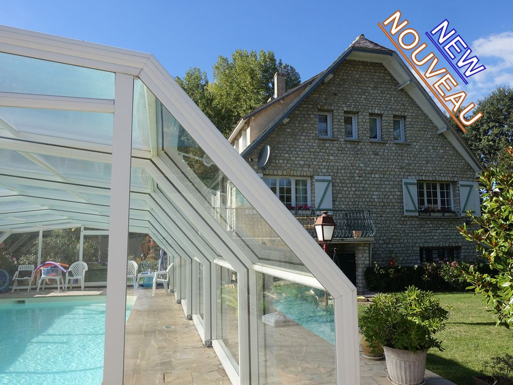 Villa 160m2 on plot of 1300m2 with heated swimming pool IDF Yvelines