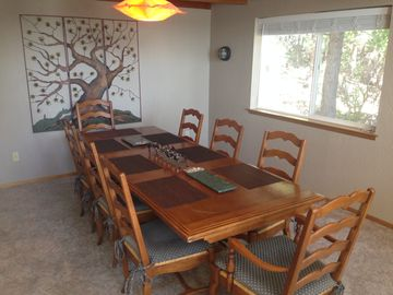 Pinecrest house rental - Under the loft, the dining area with plenty of room for everyone.