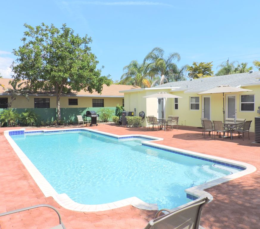 Mansion Pools Close Up: ALL NEW 6/6 FOR 16 HUGE HEATED POOL CLOSE...