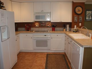 Pensacola Beach condo photo - Fully equiped kitchen with GE appliances for those that like to cook