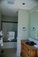 Wintergreen house photo - Queen Suite- Full Bath