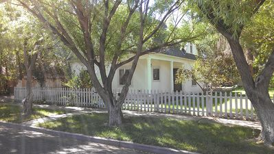 Beautiful Home. Walk To Restaurants, Shops And Rio Grande Scenic Railroad