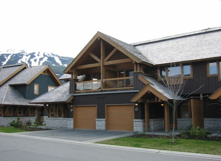 Montebello 5 star 3 bedroom 5 minute walk vrbo for Montebello cabin rentals