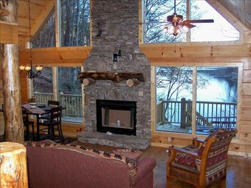 Lake Nantahala cabin rental - Living Room