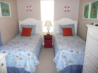 El Centro Beach house photo - Twin bedroom just redecorated this year in fun, ocean life theme