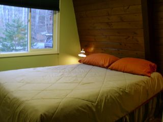 Hunter chalet photo - Upstairs bedroom with Queen Bed.