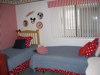 bedroom 3- twin beds