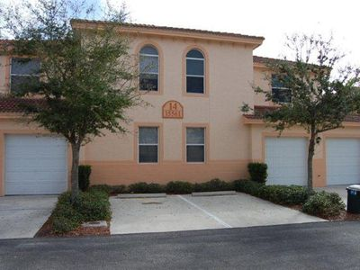 Cape Coral condo rental - Front and garage