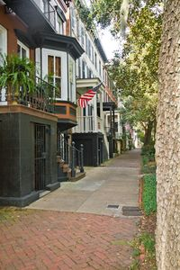 Historic Jones Street - prime location in heart of Historic District