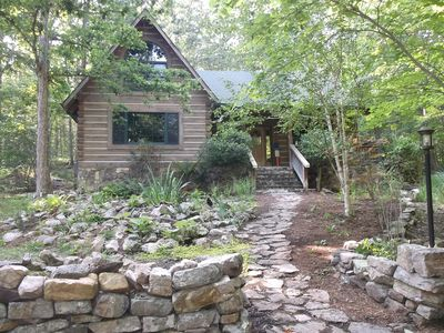 Sylvan Keep - Very private luxury log home on 18 acres adjoining national forest
