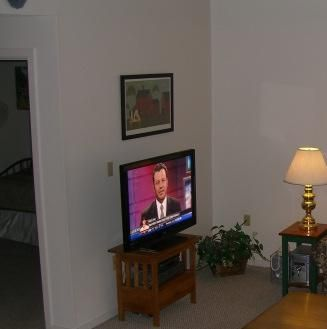 HI DEF TV-Digital Cable with Free Wireless Internet in Condo