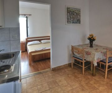 Agron - studio apartment for 2 with balcony, WiFi and AC- 77834