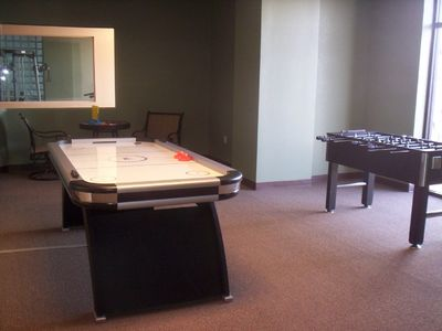 Air Hockey, Foosball