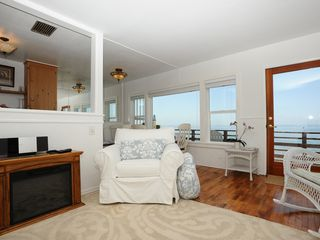 Malibu apartment photo - Vacation rental has a fireplace for your enjoyment