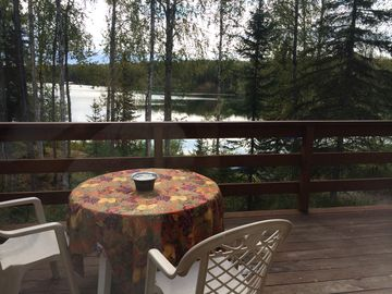 Willow cabin rental - Deck overlooking Lake from Living Room