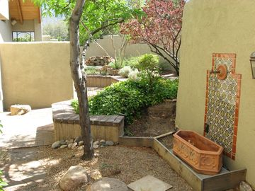 Another view of the side courtyard.