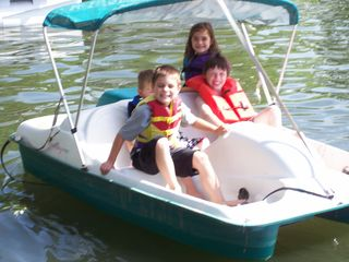 Harrison house photo - Kids loving the lake