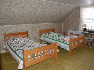 Townshend house photo - 2nd upstairs bedroom with two twin beds