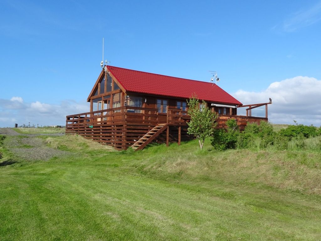 Very nice house in the south iceland homeaway south for Very nice house