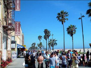 Venice Beach apartment photo - Venice Boardwalk ~ cafes, pubs, shops, artists, musicians,...