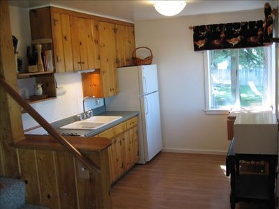 Fully equipped Kitchen in Lakeview Cabin