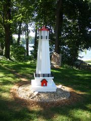 Paw Paw cottage photo - The Shack Lighthouse greets you.