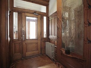 Outside the Parlor door. - Harlem apartment vacation rental photo