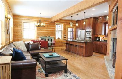 In Town: Award-Winning Luxury Cabin!