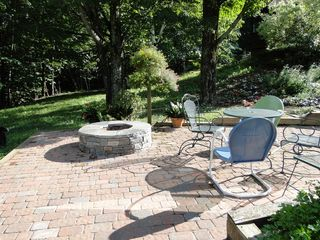 Ascutney farmhouse photo - Guest apartment patio
