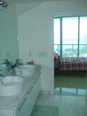 Miami condo photo - Bathroom