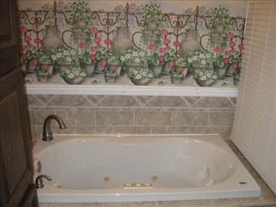 Whirlpool tub in Master bath