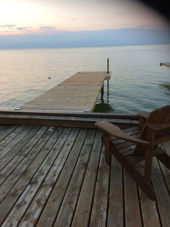Cozy 2 Bedroom Waterfront Cottage On Lake St Clair, Belle River Ontario