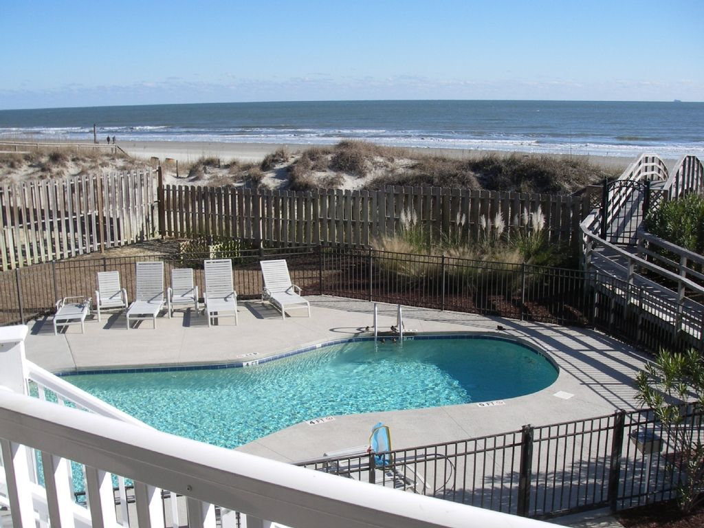 2 full oceanfront condos 3 bed  2 king -