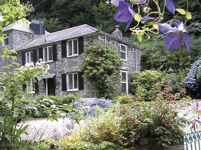 MILLER'S HOUSE, pet friendly, with a garden in Tintagel, Ref 980