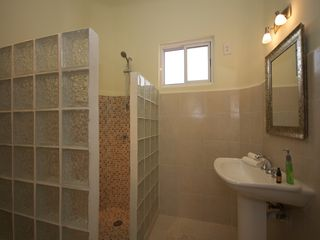 Playa del Carmen condo photo - large bathroom with shower