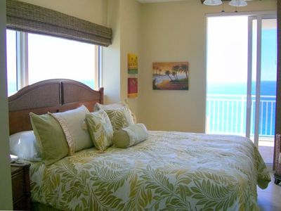 KING MASTER SUITE w/FABULOUS GULF VIEWS & PRIVATE BATH w/SEPARATE TUB/SHOWER