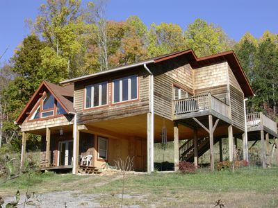 Mountain wellness retreat with massage yoga vrbo for Asheville cabin rentals pet friendly