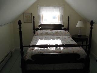 Lubec house photo - Double bedroom, cozy 4 poster bed