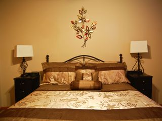 Branson condo photo - Queen bed second bedroom beautifully decorated.