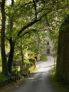 Entry to the estate and hamlet Vivo d'Orcia.