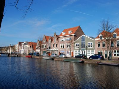 comfortabel and stylish furnished holiday house for 5 people in Alkmaar
