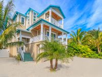 BRAND NEW BEAUTIFUL HOME ON ANNA MARIA ISLAND!!! Last Minute August special!