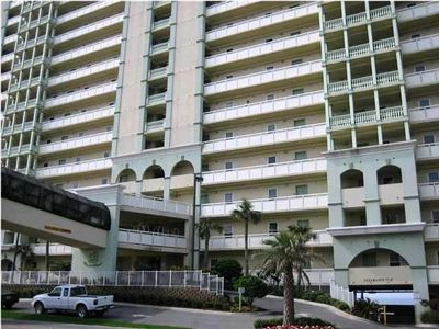 PERFECT 8TH Floor ! READ OUR REVIEWS WE OWN 16 CONDOS CALL US/STOP SEARCHING NOW