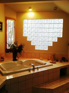 Master bedroom Tub