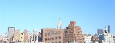 Spectacular panoramic Manhattan view from roof deck (Empire State Build., etc.)